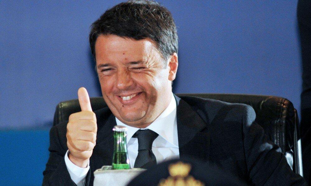 Il presidente del Consiglio, Matteo Renzi, durante la cerimonia inaugurale della Fiera del Levante a Bari, 13 settembre 2014. ANSA/LUCA TURI